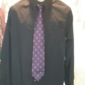 Paul Fredrick 100% imported silk. Men's tie